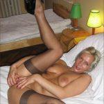 Cécile blonde super chaude qui adore les plans cul sans lendemain